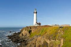 Faro de la punta de la paloma en la costa de California Fotografía de archivo libre de regalías