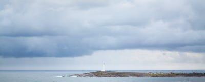 Faro de Leeuwin del cabo con un cielo tempestuoso Imagen de archivo libre de regalías