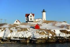 Faro de Neddick del cabo, pueblo viejo de York, Maine Fotografía de archivo