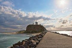Faro de Newcastle Nobbys imagenes de archivo