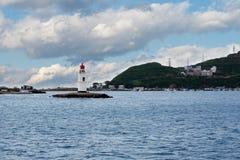 Faro de Tokarevskiy una señal en Vladivostok, Rusia Fotografía de archivo