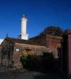 Faro del cuarto histórico de la ciudad del del Sacramento, Uruguay de Colonia Foto de archivo
