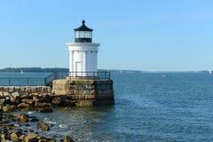 Faro del frangiflutti di Portland, Maine Immagine Stock