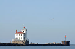 Faro del porto di Fairport sul lago Erie Immagini Stock