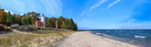 Faro del punto da 40 miglia sul lago Huron Fotografia Stock