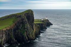 Faro del punto di Neist all'isola di Skye, altopiano scozzese Immagini Stock