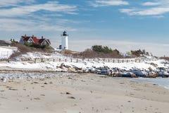Faro del punto di Nobska in neve Fotografie Stock Libere da Diritti
