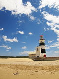Faro del recife del cabo construido en 1851, Suráfrica Fotografía de archivo