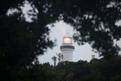 Faro della baia di Byrong ad alba fotografia stock libera da diritti
