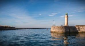 Faro della torre di Josephine nel porto del san Gilles Croix de fotografia stock