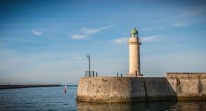 Faro della torre di Josephine nel porto del san Gilles Croix de fotografia stock libera da diritti