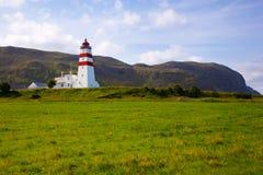 Faro di Alnes all'isola di Godoy vicino a Alesund, Norvegia Fotografie Stock Libere da Diritti