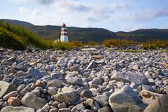 Faro di Alnes all'isola di Godoy vicino a Alesund, Norvegia Fotografia Stock Libera da Diritti