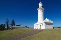 Faro di Macquarie - vista obliqua, con il cottage del custode, Nuovo Galles del Sud, Australia Immagine Stock Libera da Diritti