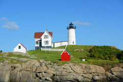 Faro di Neddick del capo, vecchio villaggio di York, Maine Fotografie Stock Libere da Diritti
