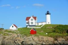 Faro di Neddick del capo, vecchio villaggio di York, Maine Fotografia Stock