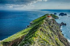 Faro di Palagruza e tempesta d'avvicinamento Fotografia Stock