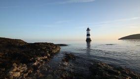 Faro di Penmon ad alba archivi video