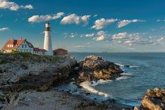 Faro di Portland al tramonto in Nuova Inghilterra, Maine fotografie stock libere da diritti