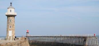 Faro di Whitby. Fotografia Stock Libera da Diritti