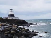 Faro durante la stagione di inverno fotografie stock
