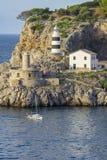 Faro e nave immagini stock libere da diritti
