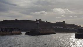 Faro ed abbazia di Whitby Fotografia Stock
