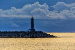 Faro en el mar Foto de archivo