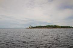 Faro en el mar Báltico Fotos de archivo
