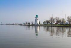 Faro en el puerto Dalhousie en Ontario Imagen de archivo