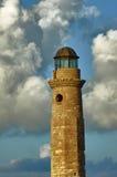 Faro en el puerto de Rethymno Foto de archivo