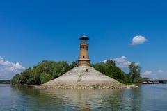 Faro en el río de Dunav cerca de Belgrado foto de archivo
