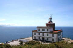 Faro en Finisterre Imágenes de archivo libres de regalías