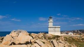 Faro en la costa Fotografía de archivo