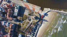 Faro en la costa báltica almacen de metraje de vídeo