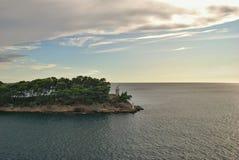 Faro en la isla de Daksa, Croacia Foto de archivo libre de regalías