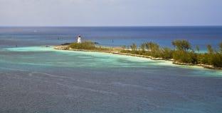 Faro en la isla del paraíso Fotos de archivo