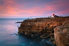 Faro en una madrugada, Dorset de Portland Bill. Fotografía de archivo libre de regalías