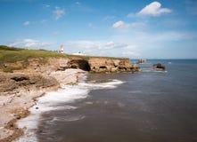Faro en Whitburn, costa costa de Sunderland Imagen de archivo