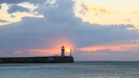 Faro en Yalta en la salida del sol, Crimea almacen de video