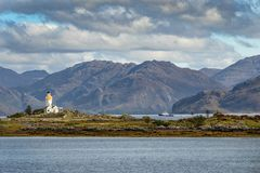 Faro histórico en la isla de Skye, Escocia, Reino Unido fotografía de archivo
