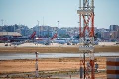 FARO, il PORTOGALLO - Juny 30, 2017 piste di Faro ed aeroporto dell'aeroporto Fotografie Stock