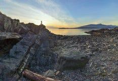 Faro largo de las montañas de la exposición de la isla de Bowen Imagenes de archivo