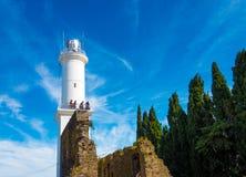 Faro nel del Sacramento di Colonia nell'Uruguay fotografie stock libere da diritti