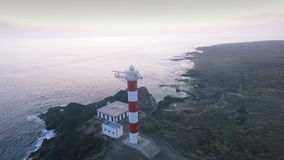 Faro nell'Oceano Atlantico video d archivio