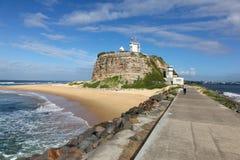 Faro Newcastle Australia de Nobbys imagenes de archivo