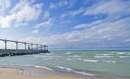 Faro orientale della testata del molo della città del Michigan Fotografie Stock