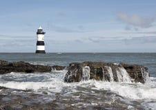 Faro País de Gales de Penmon Foto de archivo