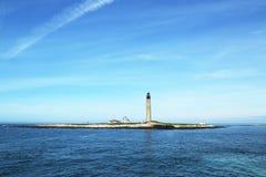 Faro pequeno de Manan Wildlife Refuge y de la isla en el golfo de Maine, Fotos de archivo