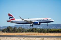 FARO, PORTUGAL - Juny 30, 2017: British- airwaysflugflugzeuglandung auf internationalem Flughafen Faros Stockfotos